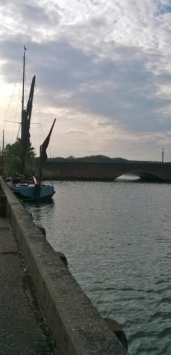 Sailing barge, Snape Maltings