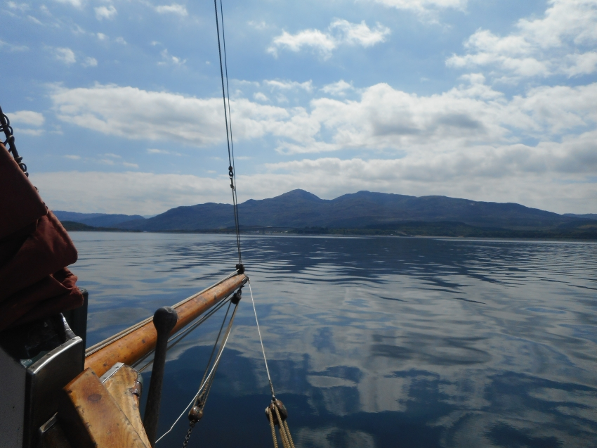 Eda Frandsen sailing around Skye May 2017